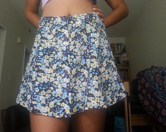 90's Floral Button Skirt