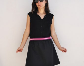 Handmade Gonna Nera di Cotone con elastico viola a righe.Modello svasato/ Handmade Cotton Black Skirt with violet elastic beld. Flared model