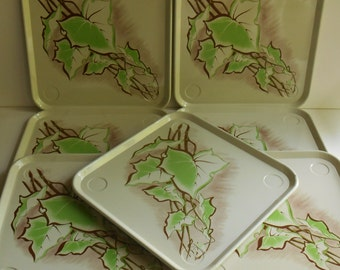 7 Square Metal Mid Century TV Serving Trays Chargers, Chartreuse Green Ivy Leaf on Cream, Retro Glamping, Camping, Autumn Leaves, Fall Table
