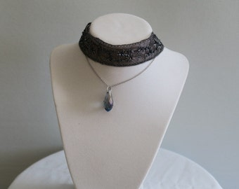 Shear lace layered choker
