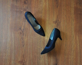 60s black suede pumps / 1960s stiletto heels / brushed leather pumps 7