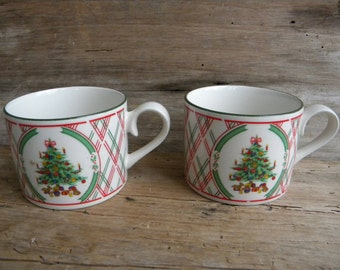 Set of 2 Vintage Semi Porcelain Christmas Tree Coffee Cups by International Japan / Christmas Tree Cups / Vintage Holiday Mugs