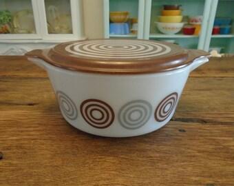 SALE-Vintage Pyrex Cosmopolitan Bowl (Bullseye)