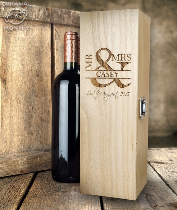 Personalised Wedding Gift Boxes Uk : Personalised Wedding gift. Wine Box MR & MRS Design. Wedding Gift WB11