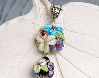 Ladybug floral lampwork pendant, flowers necklace, blossom necklace, lampwork necklace, nature necklace, designer necklace, fashion necklace