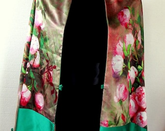 Vintage 80s Heavy Silk Scarf Shawl DROP DEAD GORGEOUS Full Blown Roses Watercolor Impressionist Beauty Bright Emerald Back and Trim  As New