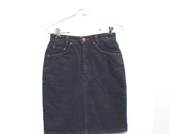 Vintage Denim Pencil Skirt // high waisted mini jean skirt // jean skirt