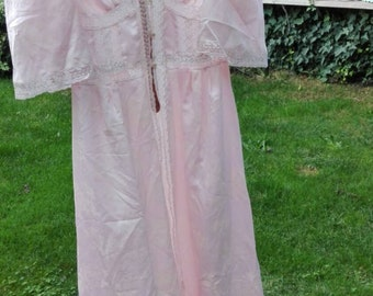 Shabby chic vintage pink robe woman pink
