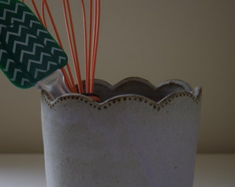Scalloped Utensil Holder