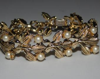 Vintage Coro Bracelet Gold Tone Pearl Leaves Bracelet Signed Coro Bracelet