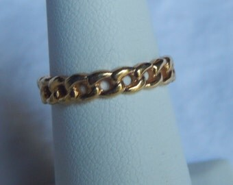 Vintage Avon Ring  Gold Tone Band Vintage Ring Signed Avon Size 6 Ring