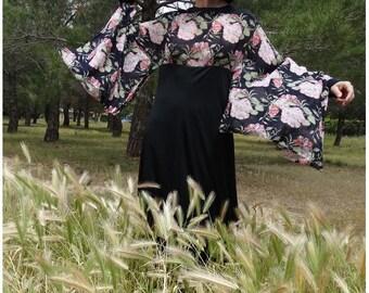 1970s KIMONO floral maxi dress // kimono sleeves black maxi dress // size us 6