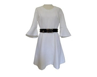 1960s  white BELL Sleeves DRESS // french 1960s summer dress // size eu 40 - uk 12 - us 8