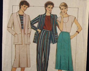 Sewing Pattern Style 4074 for a Woman's Suit & Top in Sizes 10-12