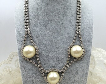 Glamorous, elegant rhinestone and faux pearl necklace, vintage bridal wedding necklace, circa 1960