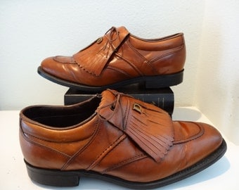 MEN'S Golf shoes, Dexter,Size USA 9,Euro42,UK 8.5 Spiked, Kiltie fringe, Brown Bourbon leather, newly spiked, Men's golf shoes