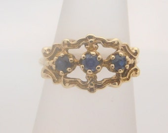 Vintage Round Blue Sapphire Ring 14K Yellow Gold