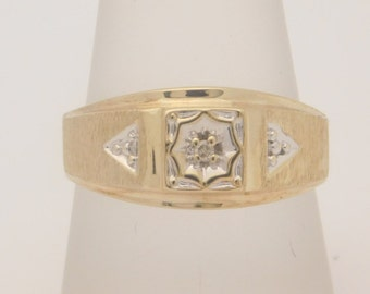 Man's 10K Yellow Gold Band With Diamond Accent