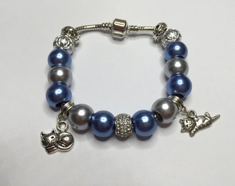 Bracelet charm's grey, blue with beads and charms cats ref 749