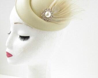 Cream Silver Ivory Feather Pearl Pillbox Hat Fascinator Headpiece 1940s Vtg B67