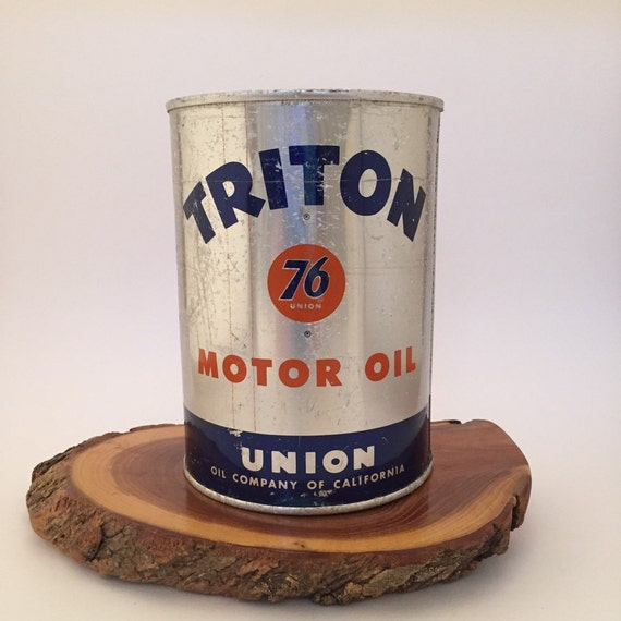 Vintage 1940s Union 76 Triton One Qt Motor Oil Can By
