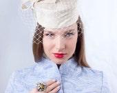 Elegant ivory pillbox, Veiled bridal hat, Tea party pillbox, Kate Middleton hat, Wedding pillbox hat, wedding hat with veil, retro pillbox