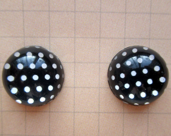 Black and white Polka dot earrings-Cabochon studs-Polka dot studs-Clip on earrings-mom jewelry-Kids-teen-Nickel free-bobby pins-dot earring