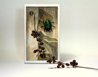 """Art box:shadow box diorama pièce unique, peinture originale """"le scarabée""""."""
