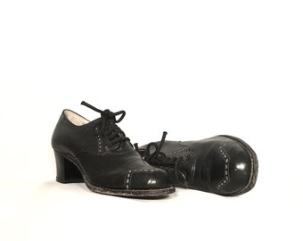 1940's Oxford Heels   Barefoot Freedom Black Oxford Pumps   Size: 6A
