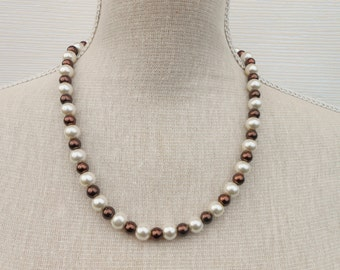 Ivory and brown pearl necklace, Wedding jewelry, Bridesmaid gift, bridesmaid necklace, mother gift, beaded necklace, beaded jewelry