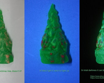 Glow-in-the-dark Christmas Tree made of resin and Glow-in-the-Dark Powders - one-of-a-kind