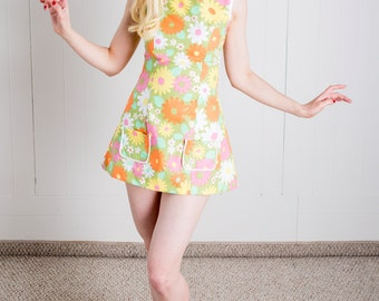 Flower Power Sixties Inspired Tunic Top Made w/ Vintage Fabric - XS - 1960s