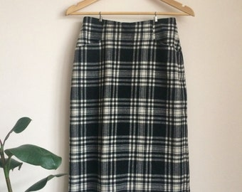 Classic tartan check wool high-waisted pencil skirt UK 8-10
