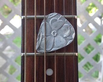 Custom Guitar Pick, Aluminum guitar pick, Dogwood guitar pick, Bass guitar, Large