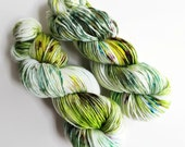 camouflage / speckle yarn / hand dyed yarn / superwash merino wool / dk weight yarn / olive green chartreuse brown white / super soft yarn