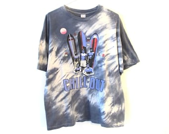 80s 90s Beach & Surf Club CHILL OUT Tie Dye T-Shirt