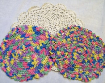 Vintage Doily, Crocheted Doily, Set of Doilies, colorful doilies, Mutil Colored, Vintage Linens