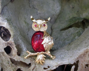 Gerrys Jelly Belly Owl Pin, Red, Goldtone, Vintage Costume Jewelry Brooch