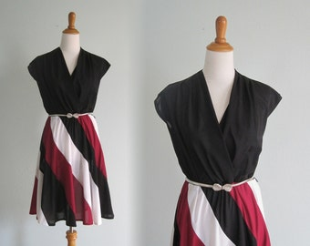 Adorable 70s Surplice Dress with Twirly Striped Skirt -  Vintage Burgundy Black and White Tricolor Dress - Vintage 1970s Dress M