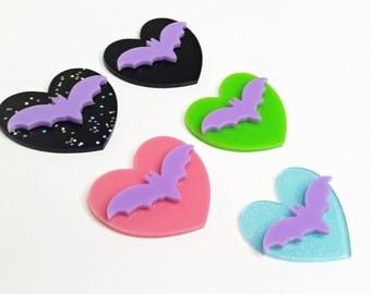 Purple bat heart hair clip, heart brooch, spooky keychain, bat heart clip, bat necklace