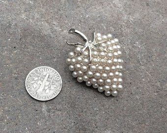 Vintage Pearl Strawberry Pin, Tiny White pearl Brooch, silver strawberry pin
