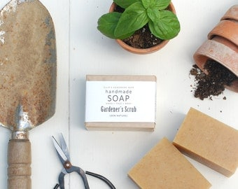 GARDENER'S SCRUB - Ellie's Handmade Soap - 100% Natural + Cold Process Olive Oil Soap - 4 ounce bar