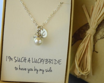 Bridesmaid Gift, Personalized Pearl Bridesmaid Necklace, I'm such a Lucky Bride, Pearl Pendant with Initial, Monogram Necklace
