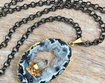 Black & White Geode Druzy Necklace // Gold, Raw Crystal Quartz Point, Chunky Gunmetal Chain, Long Layer, Oco Mineral Rock Slice, Stone