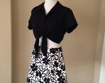 2 Piece Set Vintage 1990's Outfit Black White Floral Skort Solid Black Crop Top Women's Size 10- 12