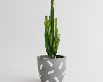 Concrete Planter - Confetti Range - Sizes XXL and XXXL