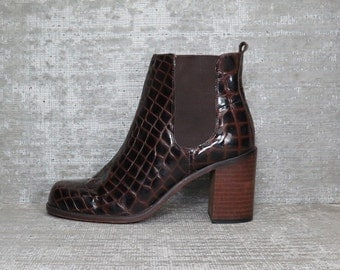 Vtg 90s Brown Patent Leather Guess Crocodile Chunky Heel Boots 9