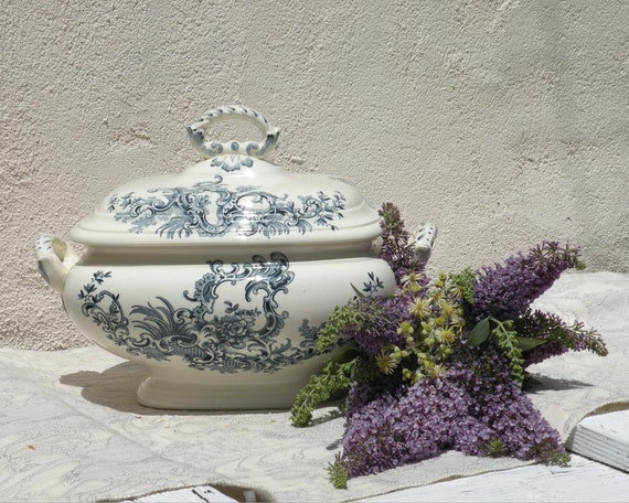 antique soupiere tureen, antique transferware tureen, vintage Boch Frères faïences, country home, antique earthenware ironstone, shabby chic
