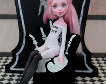 Barbie Halloween Hand Chair  Monster Ever After Glow in the Dark Furniture diorama Blythe Pullip doll Barbie DC Super Hero