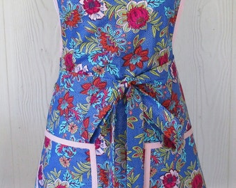 Retro Apron, 50s, Floral Apron, Periwinkle Blue and Pink, Vintage Inspired, Full Apron, KitschNStyle